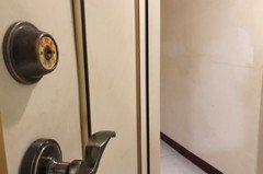 租透天的三樓套房 遭房東要求「整棟都要幫忙打掃」