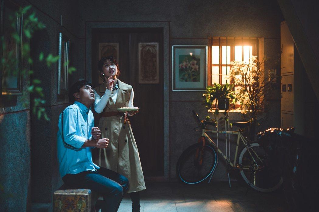 李冠毅、嚴正嵐主演「老姑婆的古董老菜單」劇情瀰漫奇幻氣氛。圖/華視提供