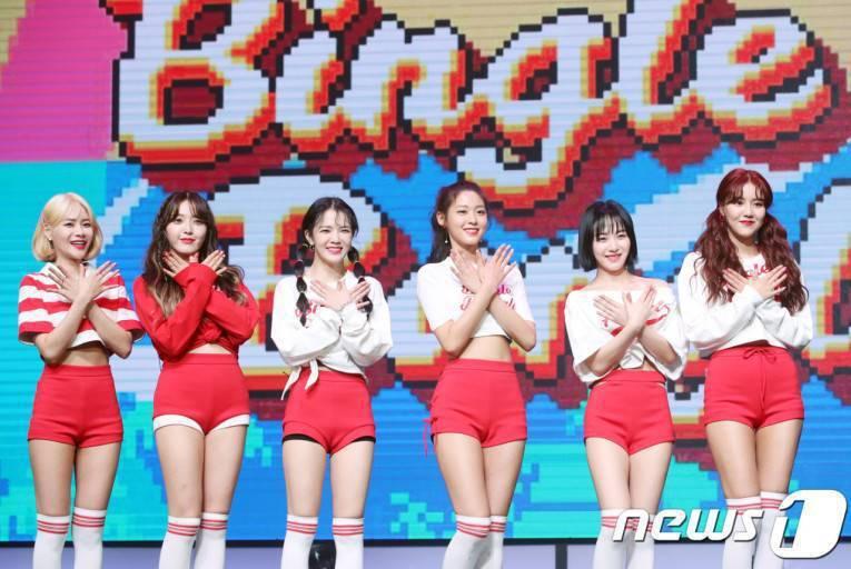 AOA過去曾以6人形式發片,酉奈(左起)、澯美、智珉、雪炫、珉娥、惠晶完全看不出