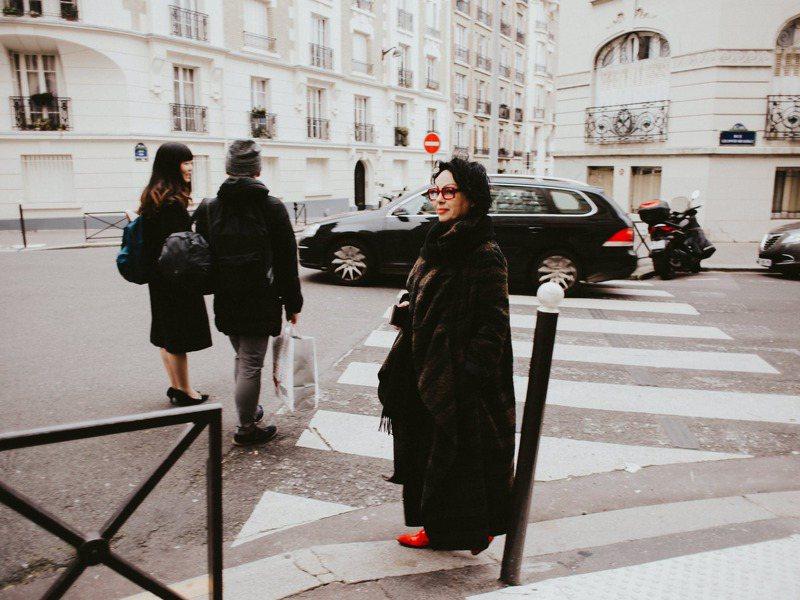 無論到了幾歲的法國女性,依然擁有著無限的個人魅力。圖/摘自 pexels