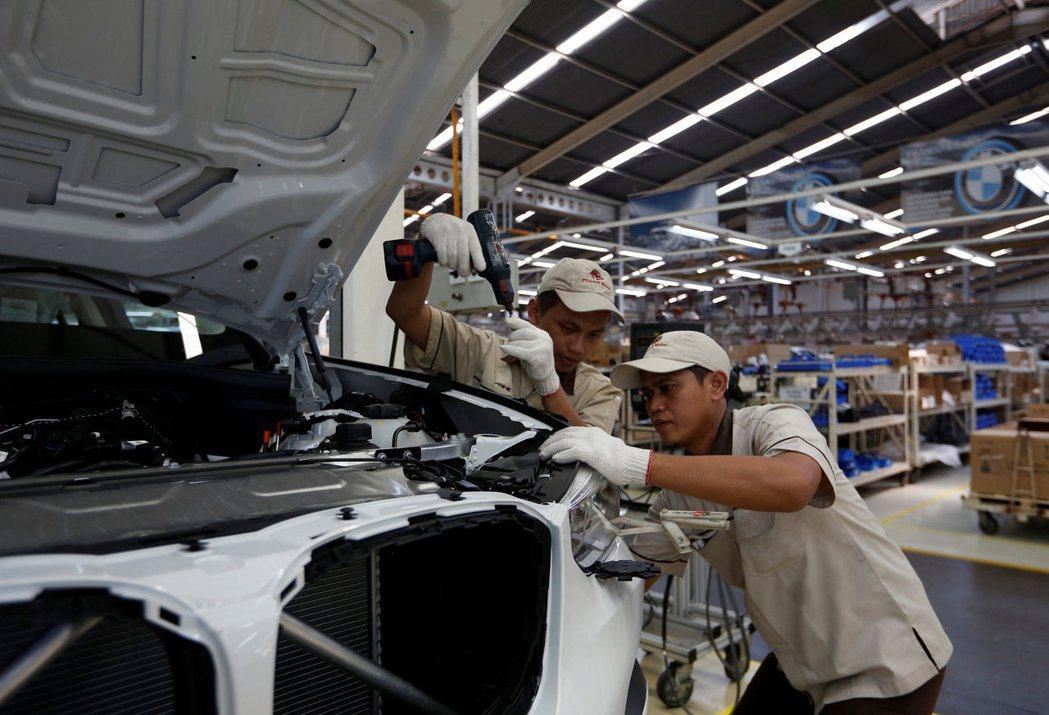 東南亞積極向遷出中國大陸的外國製造商招手,包括印尼在中爪哇省建工業園區。(路透)