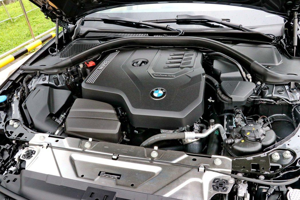 代號B48的2.0升TwinPower Turbo單渦輪雙渦流增壓引擎。 記者陳...