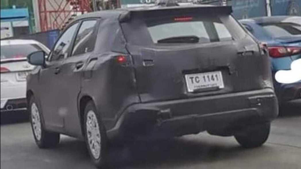 Corolla Cross泰國偽裝車。 摘自Carsnewupdate