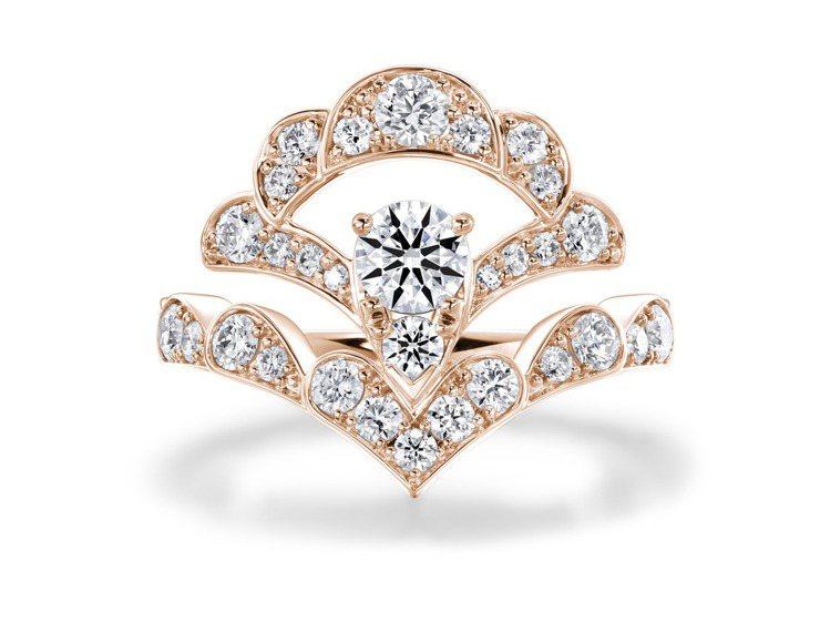 LORELEI REVERIE玫瑰金鑽石戒指,鑽石總重約1.3克拉,約23萬元起...