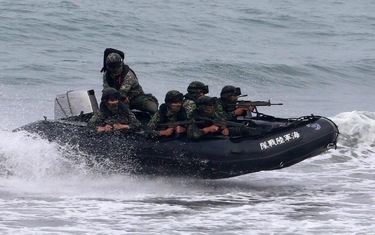 海軍司令部表示,「聯合登陸作戰」操演意外落海官兵蔡博宇上兵,經醫院積極搶救後,仍告不治。圖為示意,和報導無關。圖/本報資料照