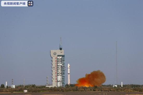 大陸在酒泉衛星發射中心用長征二號丁運載火箭,成功將試驗六號02星送入預定軌道。(...