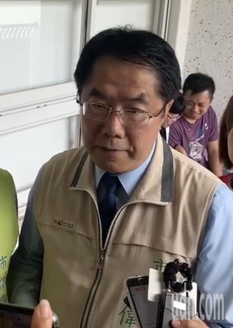 台南市長黃偉哲回嗆李眉蓁。記者修瑞瑩/攝影