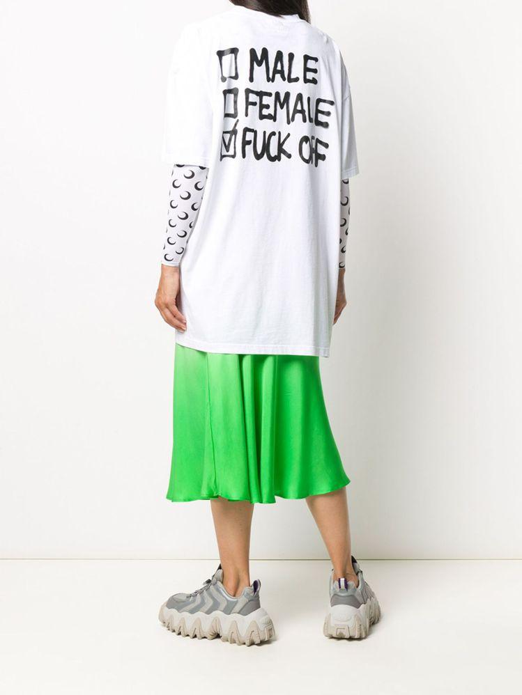 Vetements白色印打勾T恤,16,500元。圖/團團選品提供