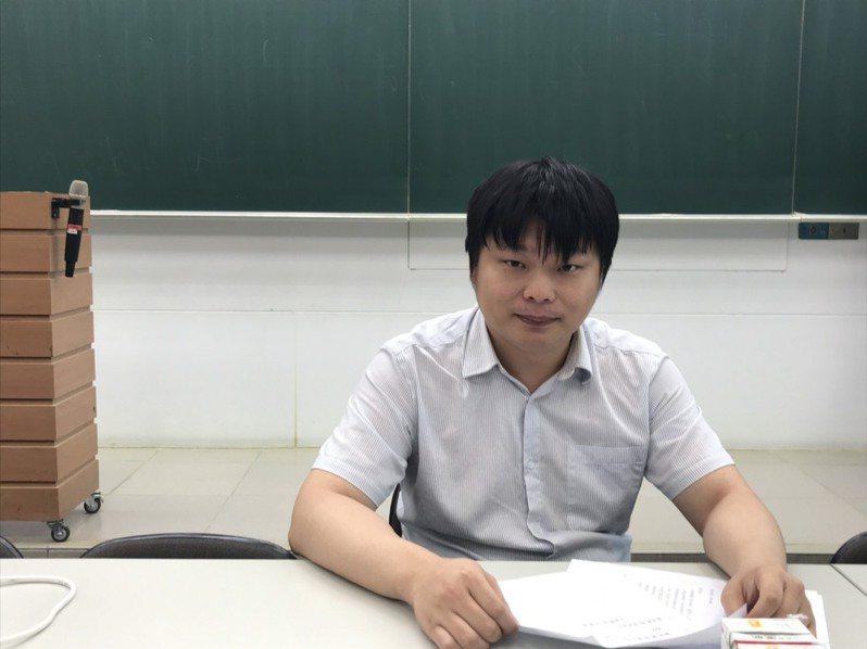 補教歷史老師蔡承峰指出今年歷史容易,預估今年頂標75分比去年高兩分。記者潘乃欣/攝影