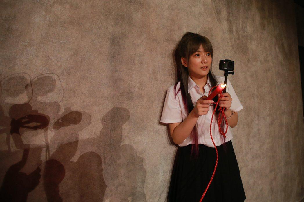 藝人解婕翎搶先體驗返校實境展。記者許正宏/攝影