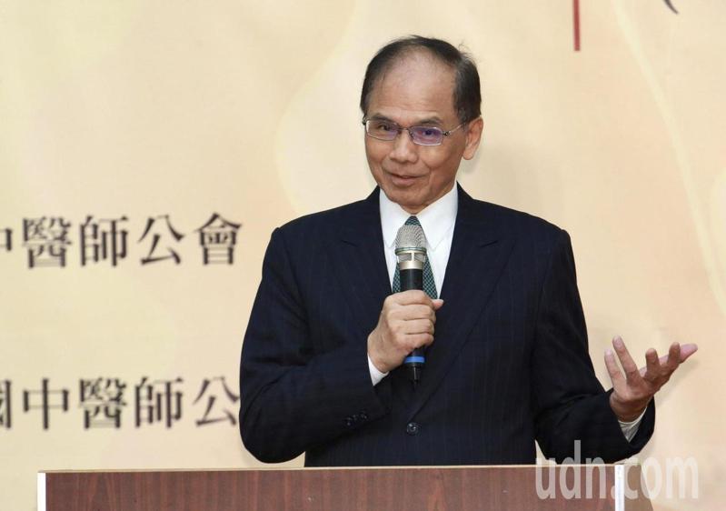 立法院長游錫堃表示,中醫有百年歷史,而漢醫有千年歷史,傳到台灣若改叫台醫、台藥也很不錯。記者黃義書/攝影