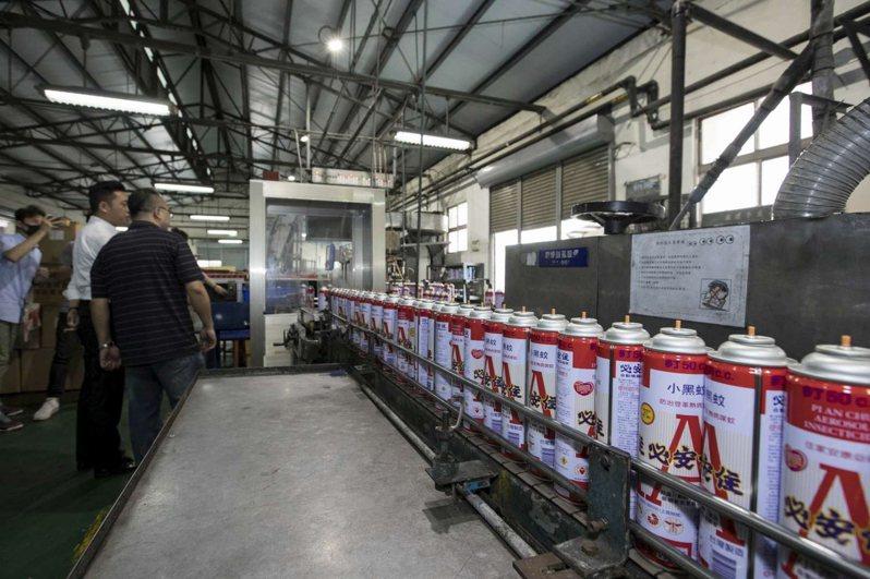 中台興化工必安住殺蟲劑的生產線。圖/竹市府提供