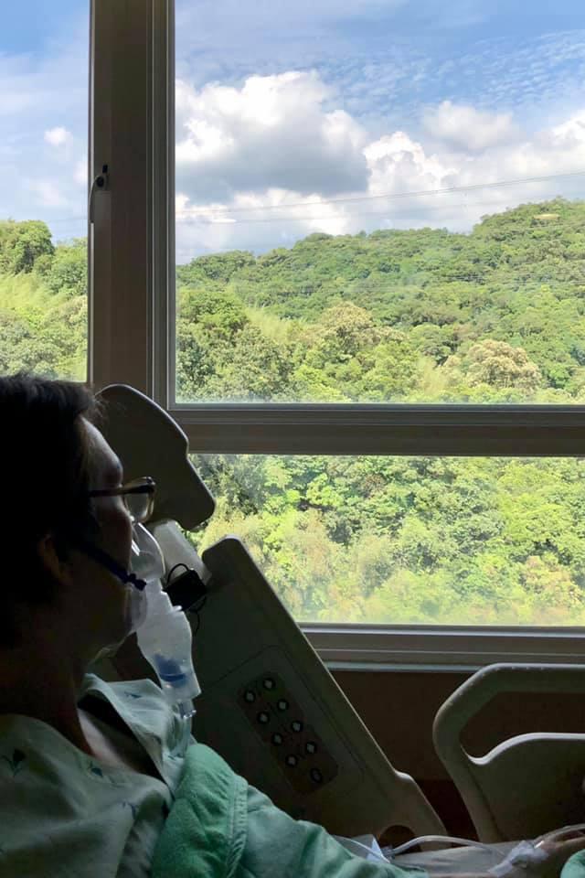 林志炫Po出病床照。圖/摘自臉書