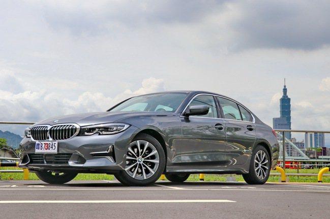 BMW 318i Luxury將肩負車系入門車款及主力販售角色,建議售價203萬...