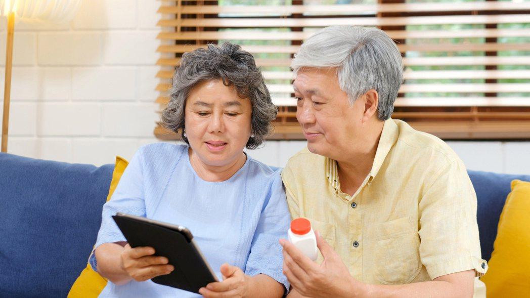 評估低密度膽固醇數值時,應先檢視疾病狀態和心血管疾病風險。圖╱123RF