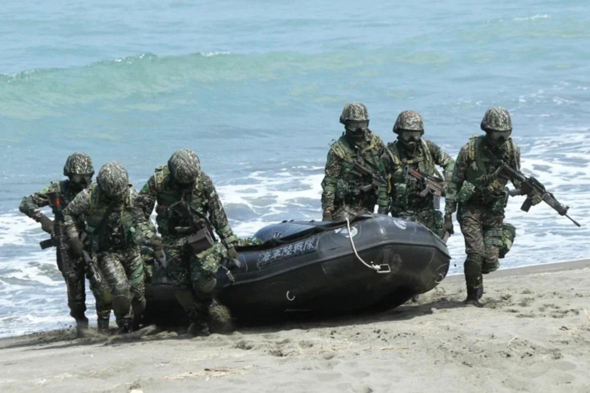 水深僅150公分卻溺水? 海軍:翻船瞬間嗆水