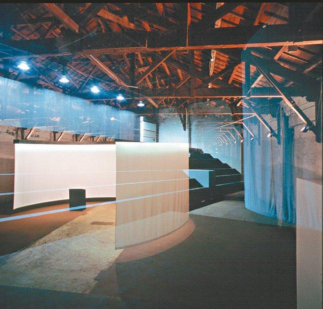 2001松山菸廠「總統府廣場競圖展覽」。 圖/龔書章提供