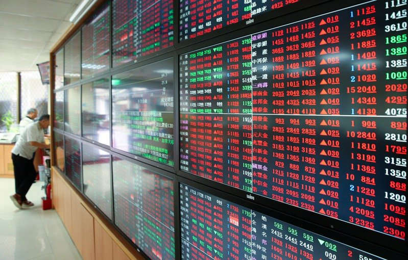 法人指出,今年台股受到新冠肺炎衝擊,但資金透過ETF參與台股市場熱度不減,0050今年來規模都在700億元之上。記者余承翰/攝影