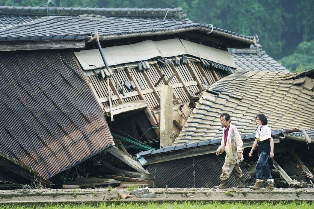 球磨村遭水災毀壞的房屋。 圖/美聯社