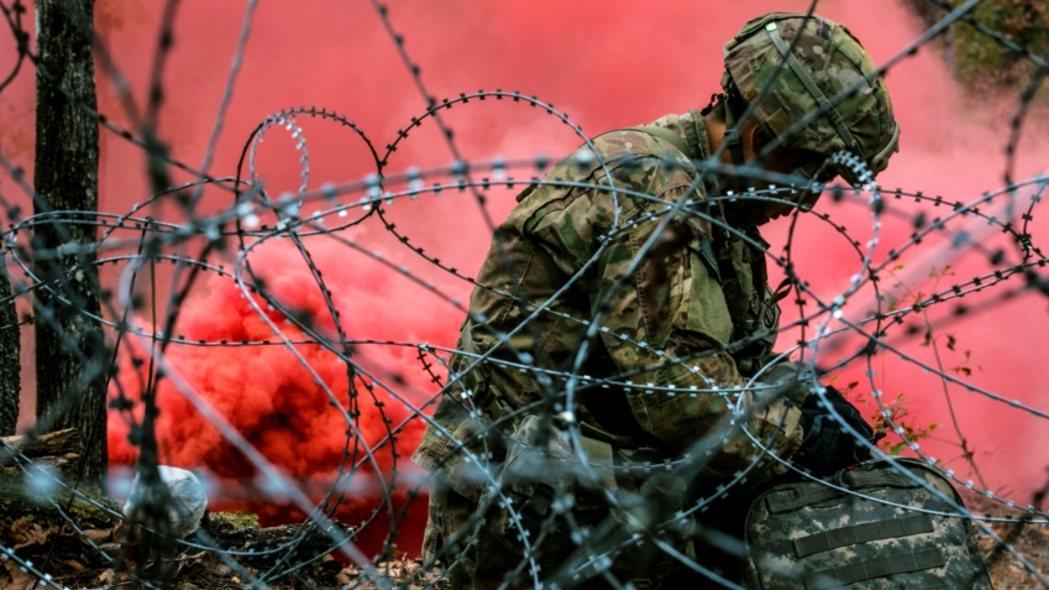根據美國陸軍刑事調查指揮部(USACID)的調查資料,20歲的吉延是遭到軍中的男...