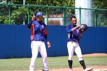 玉山U18對抗賽/卸職棒球員光環 蘇建榮任國家隊教練受肯定