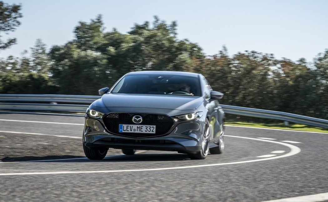 有i-Activ AWD智慧四驅系統的輔助,Mazda 3的操控會更上層樓。 摘...