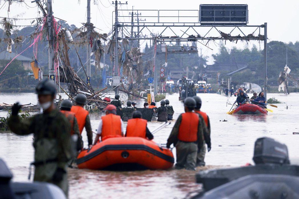 圖為周末受創最重、死傷最多的熊本縣球磨村。 圖/美聯社