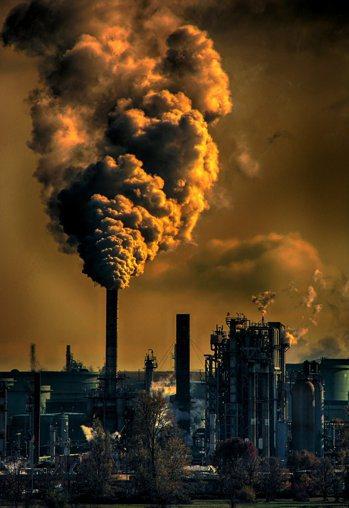 英國氣候科學家警告,聯合國「2050年前,要將全球碳排放量削減到只剩1990年時...