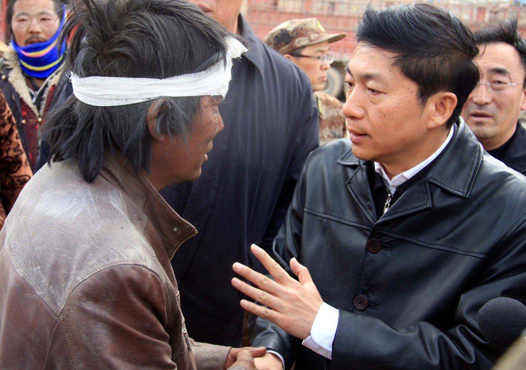 呼應中共喊出的「打贏脫貧攻堅戰」,駱惠寧曾言要打出「脫貧組合拳」,當時就有媒體報...