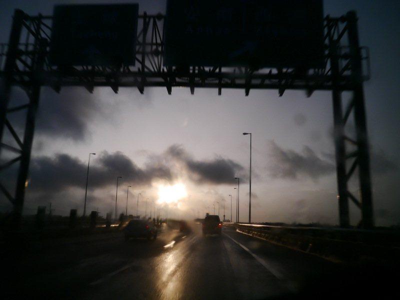 往台南前進,遇雨