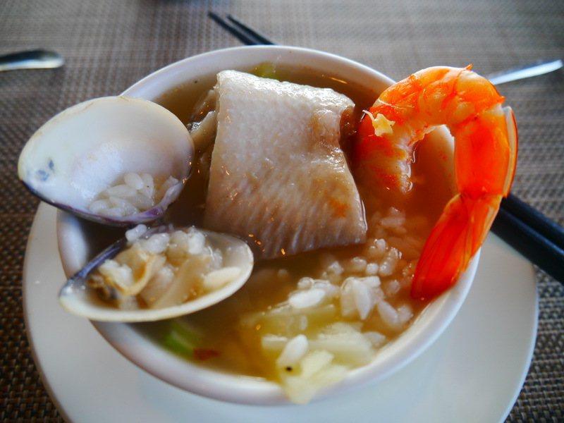 欖人船塢(早餐:海鮮粥)