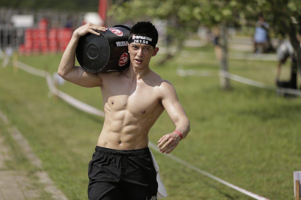 王家梁為「Spartan Race」斯巴達障礙跑競賽擔任年度推廣大使。圖/寬寬整