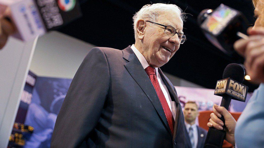 股神巴菲特(圖)的波克夏公司將花40億美元收購Dominion Energy的天...