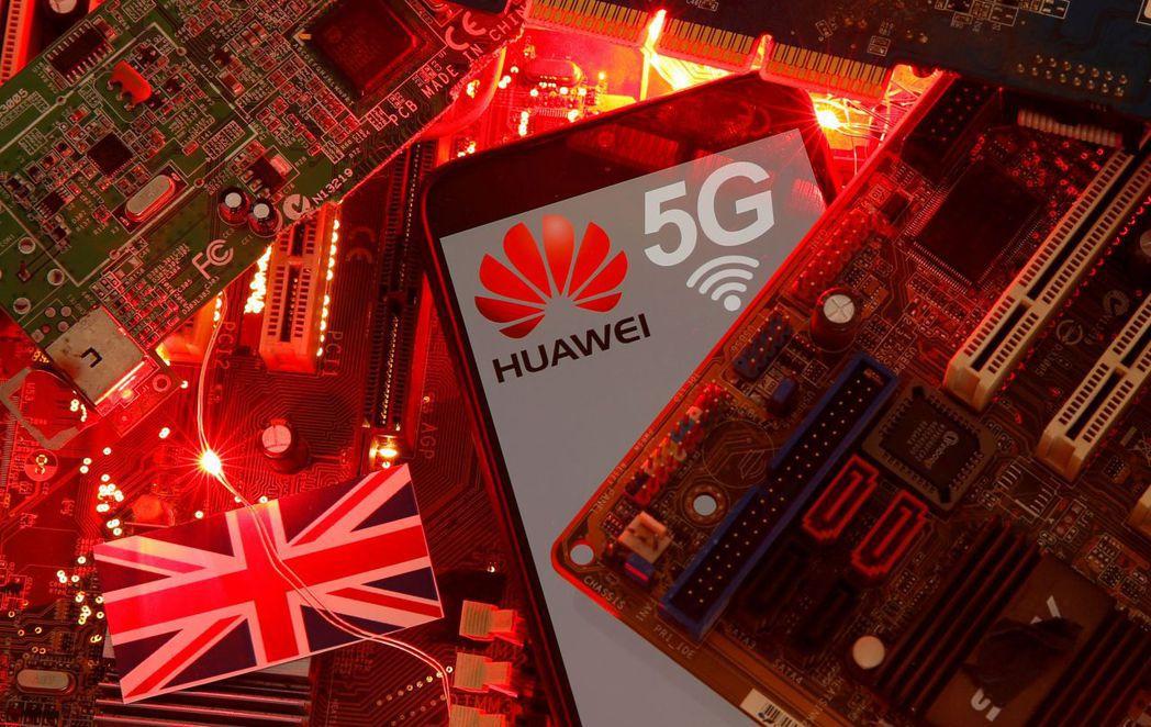 知情人士透露,英國首相強生準備最快今年開始,讓英國5G電信網路逐步停用華為設備。...