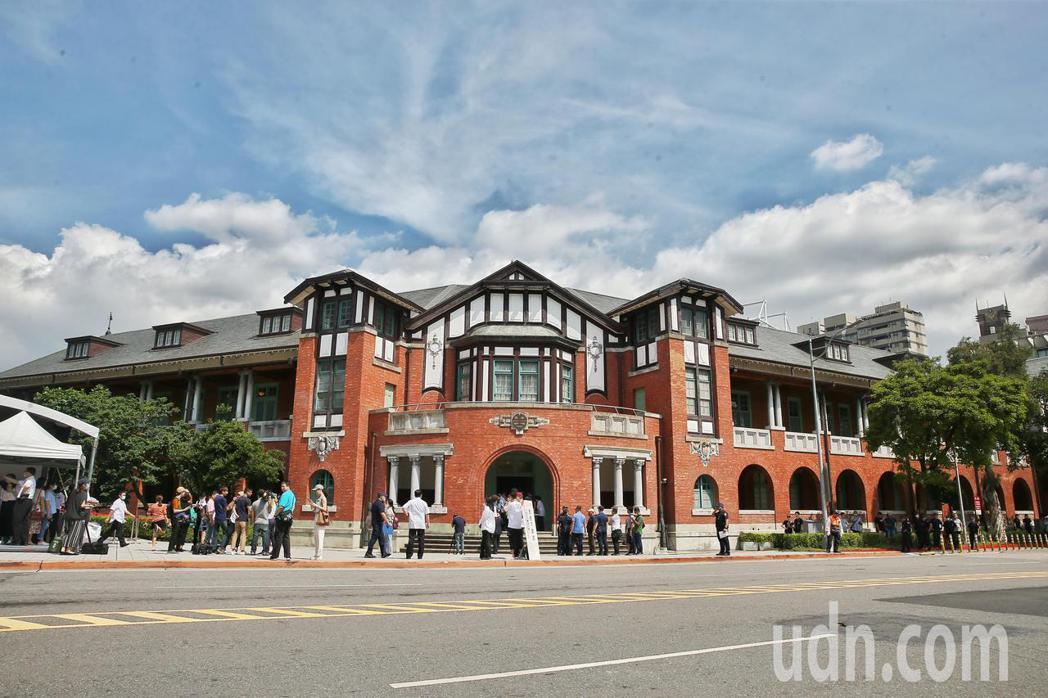 國立台灣博物館鐵道部園區開幕典禮於上午舉行,未來民眾將可前往一睹鐵道近代史的重要...