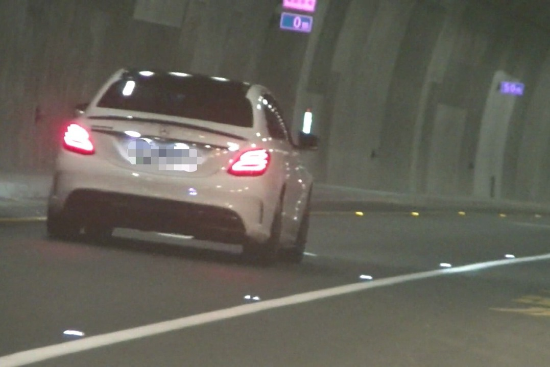 影/史上首張龜速車罰單!蘇花改「路隊長」時速46還無駕照