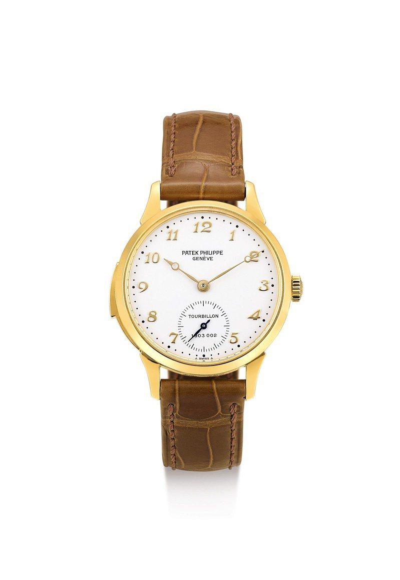 百達翡麗型號3939,為型號生產第二枚黃金三問陀飛輪腕表,1992年製,估價約160萬港元起。圖/蘇富比提供