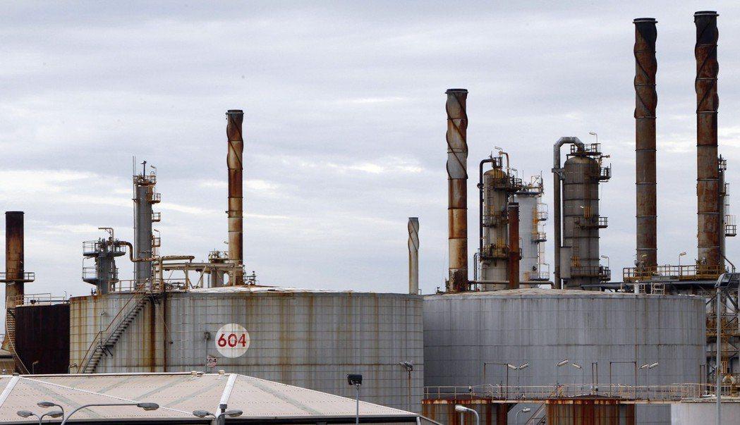 沙烏地阿拉伯調漲亞洲原油官方售價,加上全球股市走高,推升布蘭特原油期貨價格逼近3...