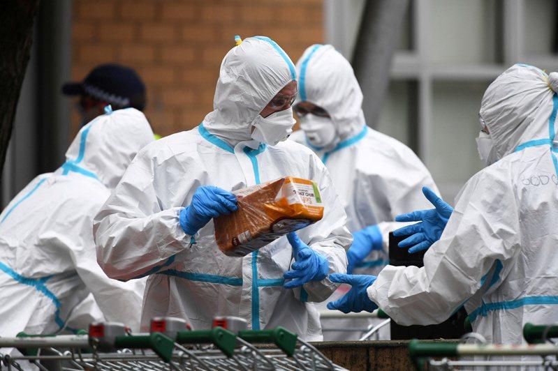 法新社彙整的官方數據顯示,截至格林威治標準時間7日11時(台灣7日晚間7時),全球至少53萬8326人死於2019冠狀病毒疾病(COVID-19,新冠肺炎),確診逾1164萬5810例。 路透社