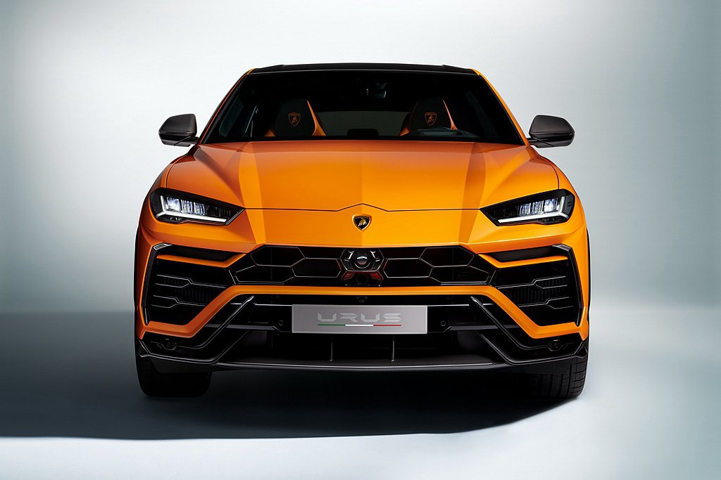 2021年式Urus擴展Super SUV的全方面功能性及可訂製性,提供多方位的...
