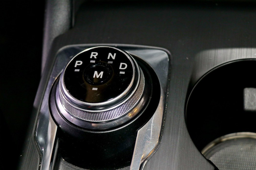 Ford Performance專屬性能調校7速手自排變速箱。 記者陳威任/攝影
