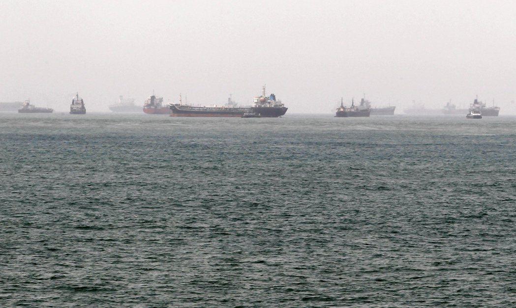 奈及利亞海上油輪。 圖/路透社