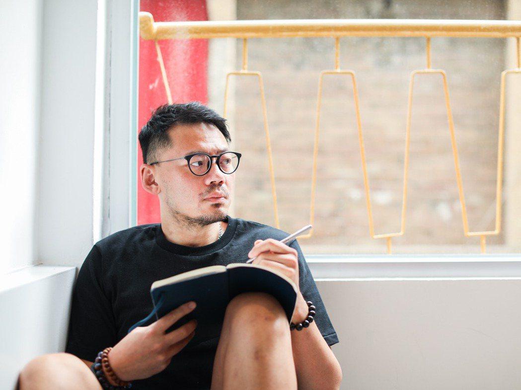在當代的華語樂壇裡,葛大為這個名字猶如品質保證,然而他其實有很長的一段時間,害怕...