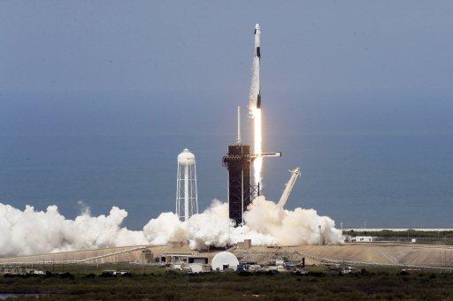 馬斯克的SpaceX首次以民間企業的火箭將人送上太空,為亞洲航太新創公司帶來鼓舞...