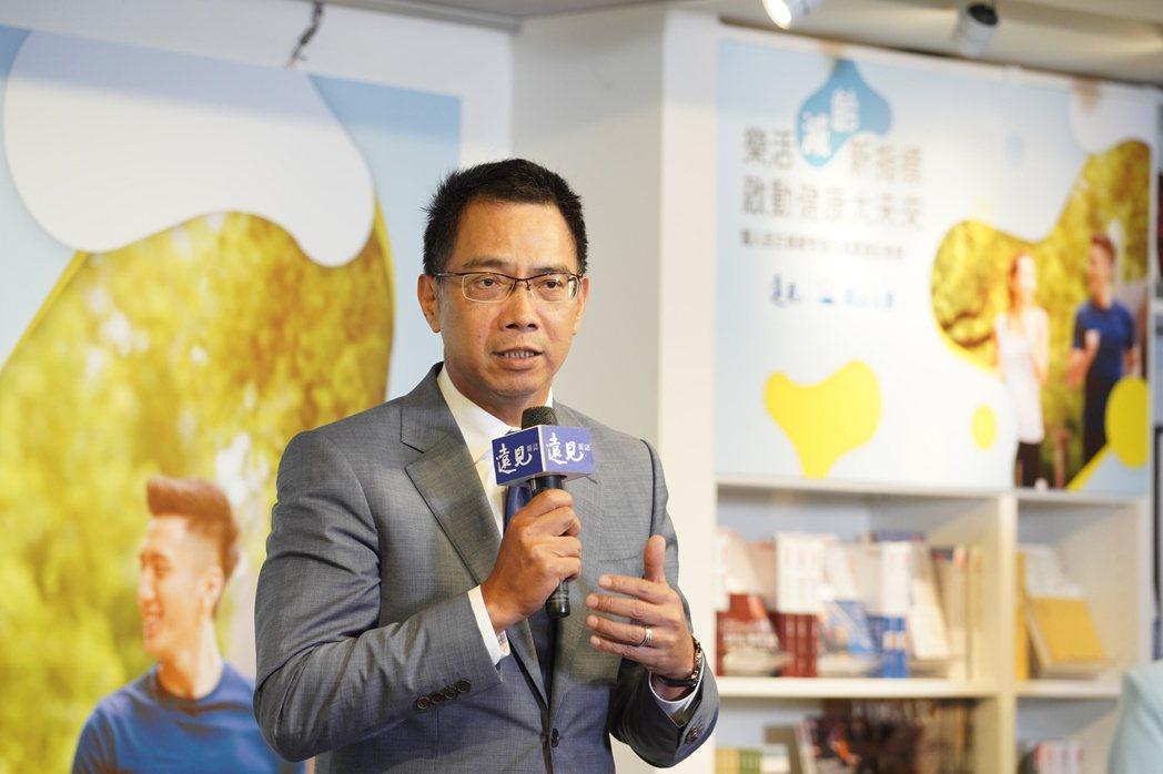 南山人壽代理總經理范文偉表示:「在後疫時代,自主健康管理是國人也是南山人壽的重要...
