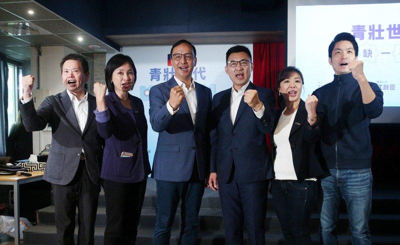 國民黨主席江啟臣(右三)和前主席朱立倫(左三)的競合關係,成為各界焦點。圖/聯合報系資料照片