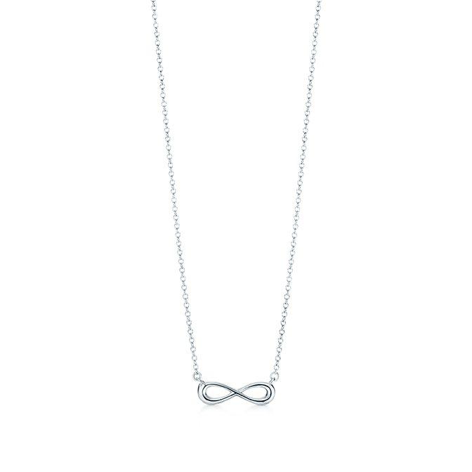 Tiffany Infinity純銀項鍊迷你款,5,500元。圖/Tiffany...