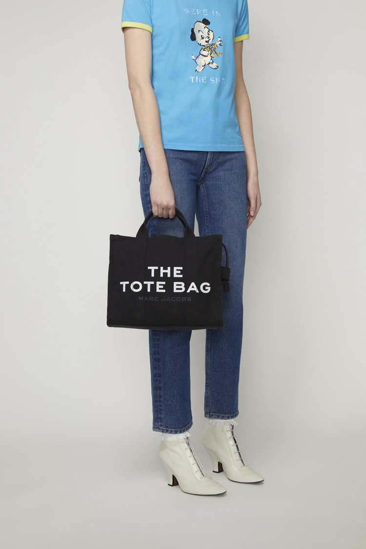The Marc Jacobs全黑帆布The Tote Bag(小),8,990...