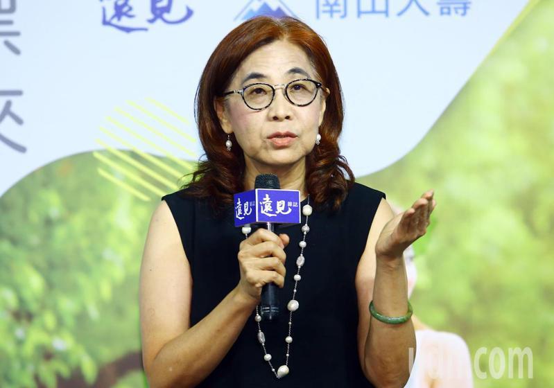 遠見雜誌社長楊瑪利在記者會上說明「國人自主健康管理為調查」的調查報告。記者杜建重/攝影