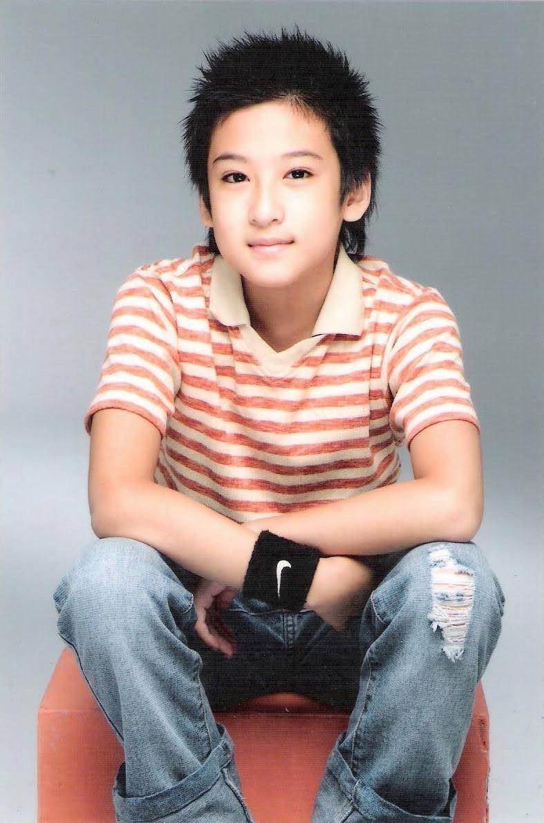 沈建宏是九歲出道,當年模樣也十分可愛。圖/達騰娛樂提供